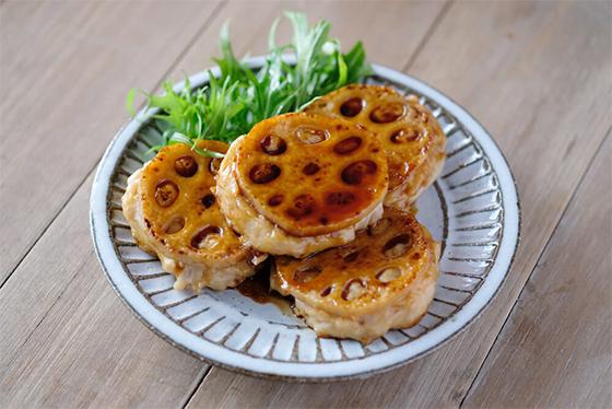 【ワンコイン500円】特売の鶏ひき肉で主役料理「シャキシャキレンコンつくね」